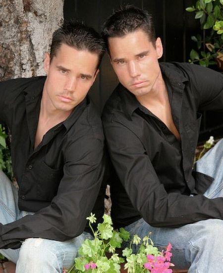Lane_twins_200803_2
