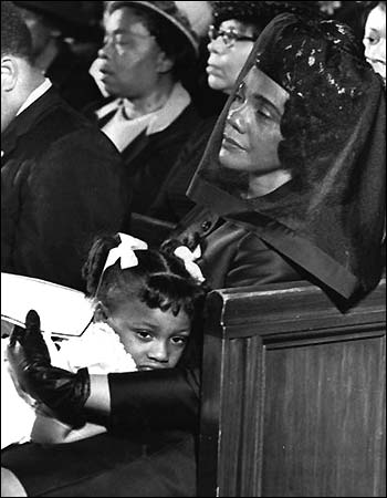 13_25_king_scott_coretta_funeral2