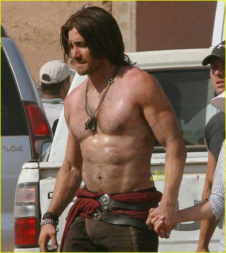 Jake-gyllenhaal-shirtless-prince-of-persia-04