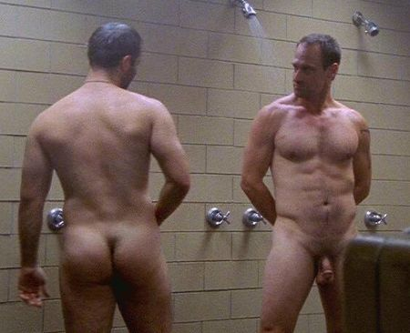 Christopher%20Meloni%20&%20Brian%20Bloom%20naked%20shower