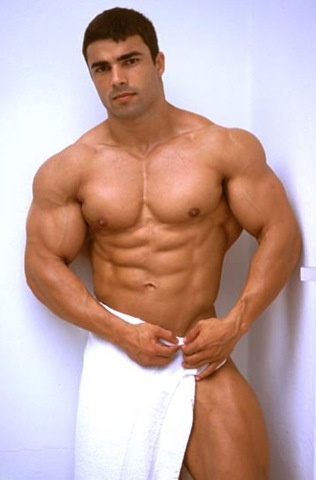 Shirtless%20male%20bodybuilder%20(19)[3]