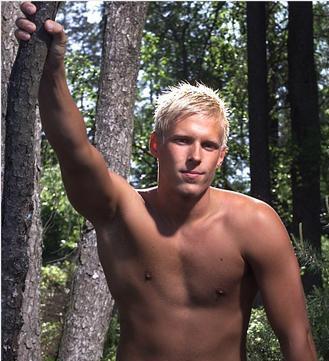 ResizedImage381620-Blond-male-Model-