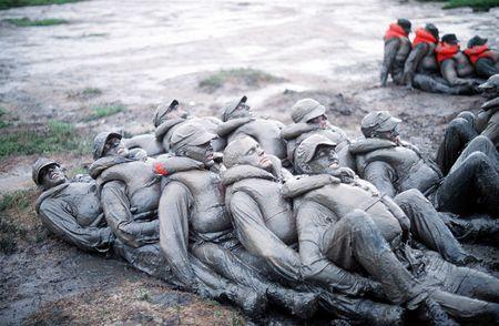 Seals_trainees_mud