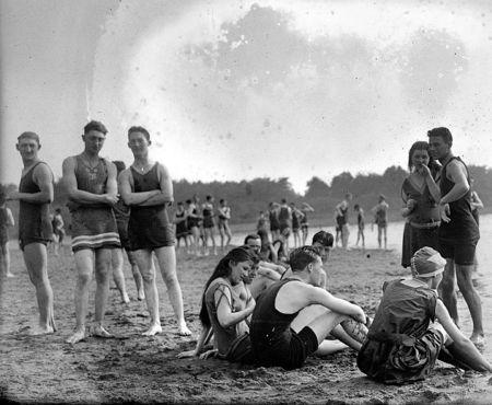 1920s-Beach-Scene-vintage-beefcake-8731615-825-678