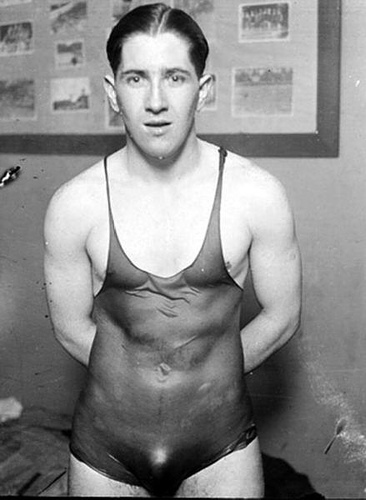 Swimmer-1910s-vintage-beefcake-8731990-366-500