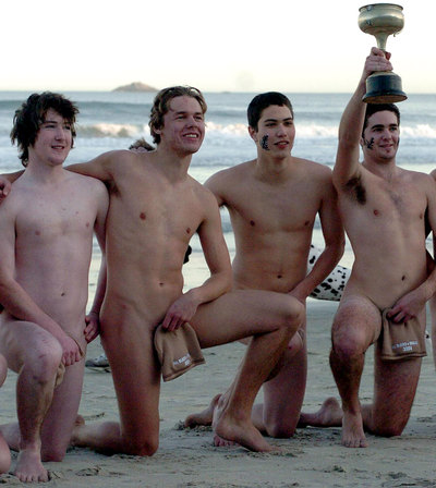 Naked_rugby