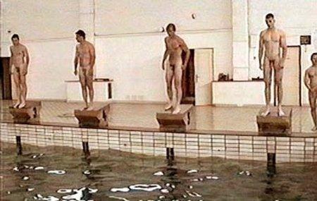 Pool_nudists041_2